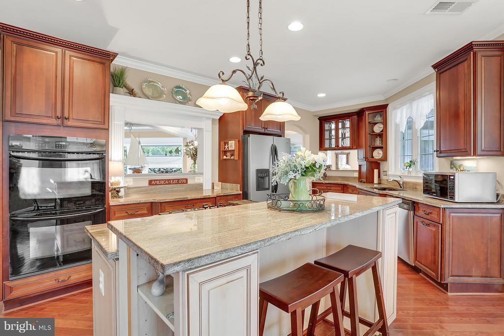 Kitchen - 6055 GREENWAY CT, MANASSAS