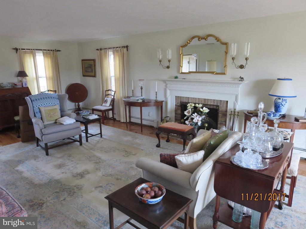 Living Room - 367 KENNEL RD, BOYCE