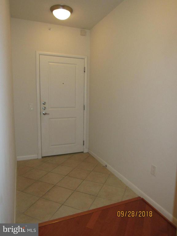 Foyer - 1021 GARFIELD ST #336, ARLINGTON