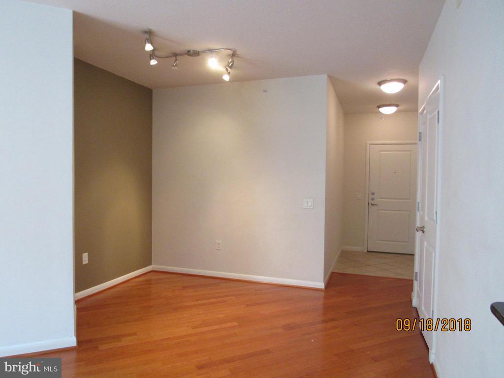 Dining Room - 1021 GARFIELD ST #336, ARLINGTON
