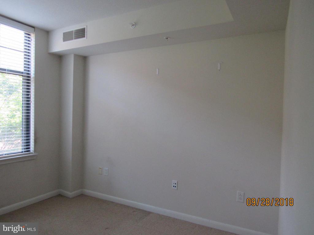 Bedroom 2 - 1021 GARFIELD ST #336, ARLINGTON