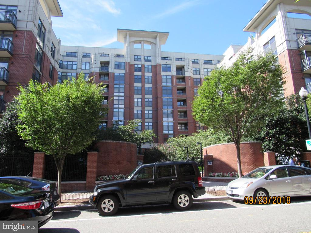 Exterior (Rear) - 1021 GARFIELD ST #336, ARLINGTON
