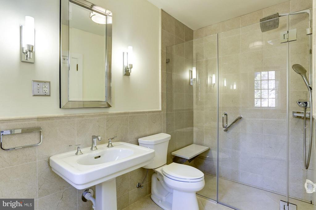 Renovated marble en suite master bathroom - 2701 32ND ST NW, WASHINGTON