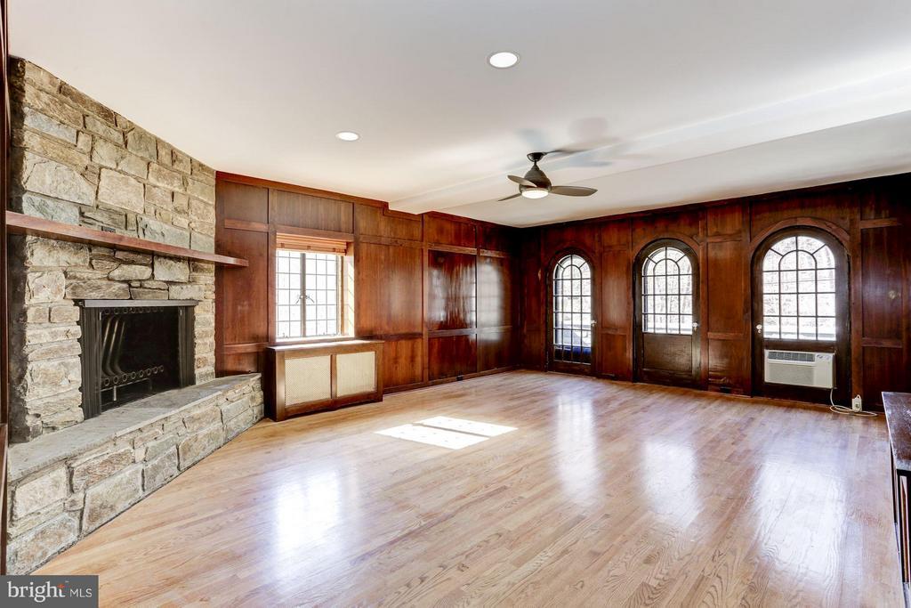 Lower level wood paneled family room - 2701 32ND ST NW, WASHINGTON