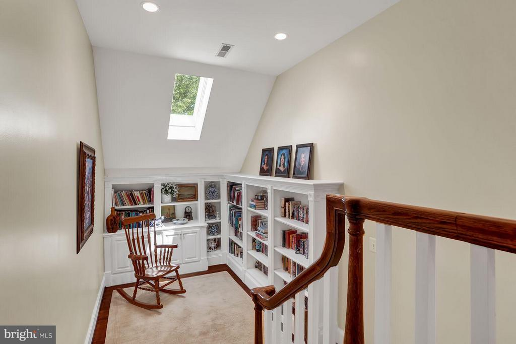 Reading Nook off Loft - 22915 COBB HOUSE RD, MIDDLEBURG
