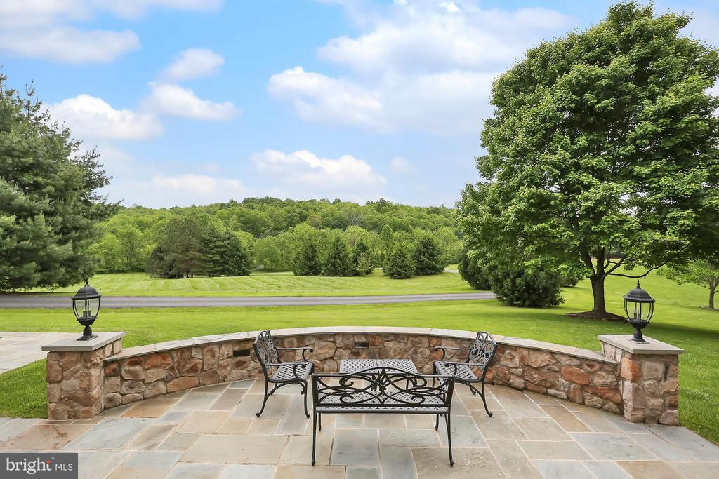 Front Porch w/Beautiful View - 22915 COBB HOUSE RD, MIDDLEBURG