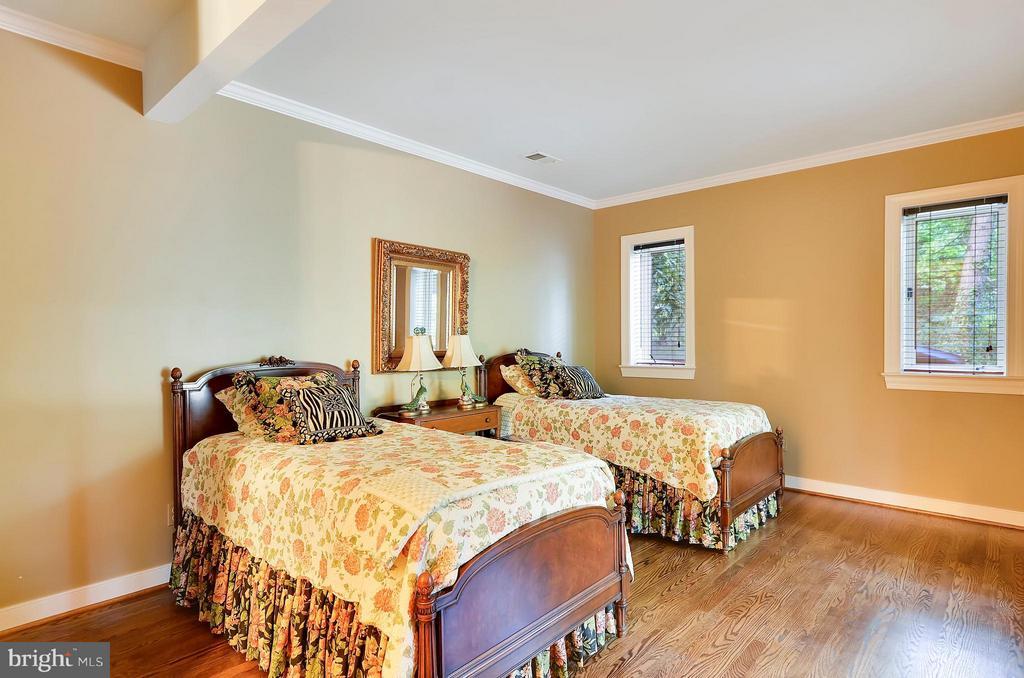 Bedroom lower level - 4015 N RANDOLPH ST, ARLINGTON
