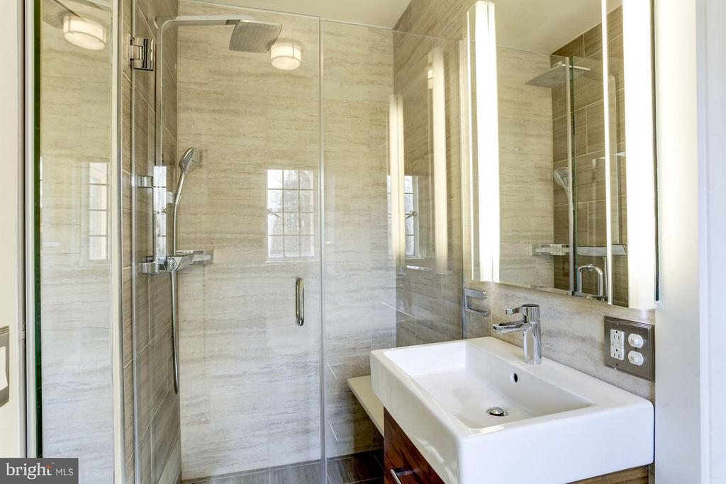Second ensuite renovated master bathroom - 2701 32ND ST NW, WASHINGTON