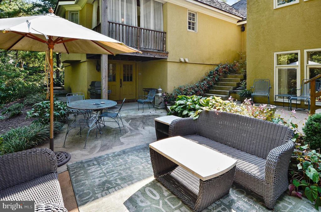 back patio - 4015 N RANDOLPH ST, ARLINGTON