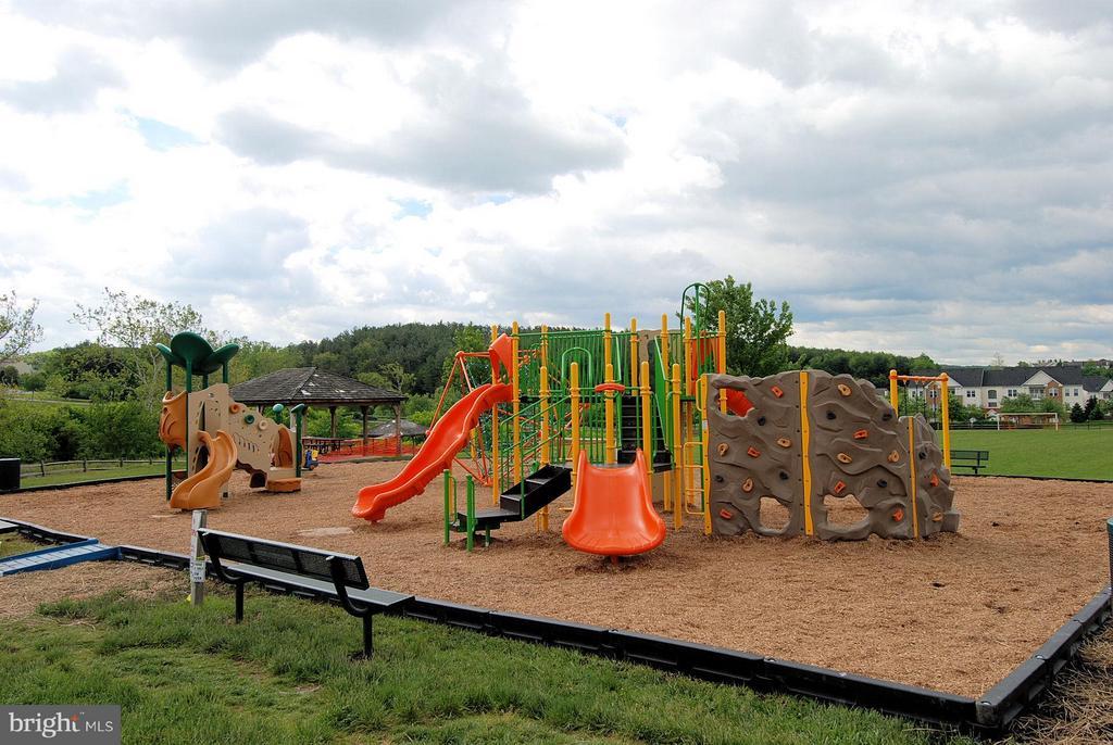 Community Playgrounds - 9546 KINGSTON PL, FREDERICK