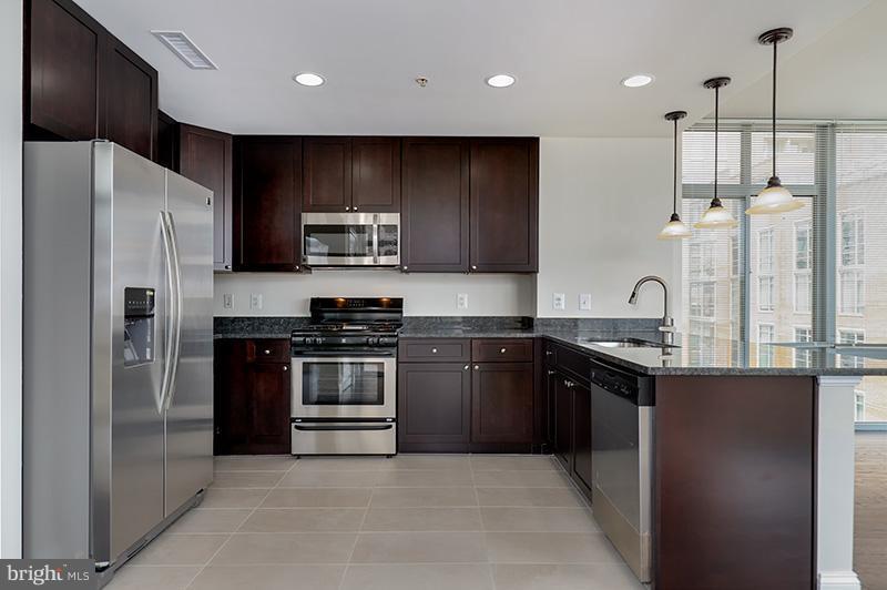 Kitchen - 11990 MARKET ST #505, RESTON