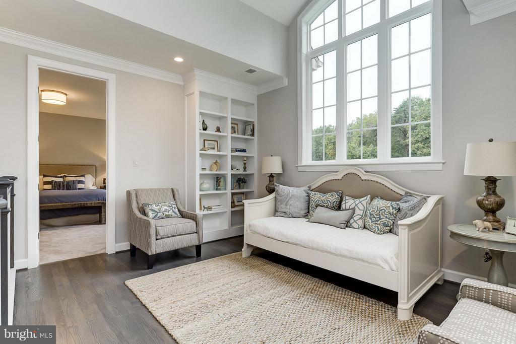 Model Home Photo | Loft between two bedrooms - 10710 HARLEY RD, LORTON