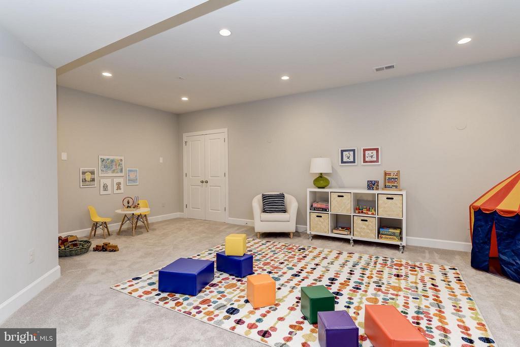 Model Home Photo  |  Multi-Purpose Room - 10710 HARLEY RD, LORTON