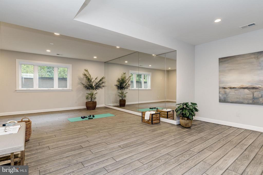 Model Home Photo | Exercise Room - 10710 HARLEY RD, LORTON