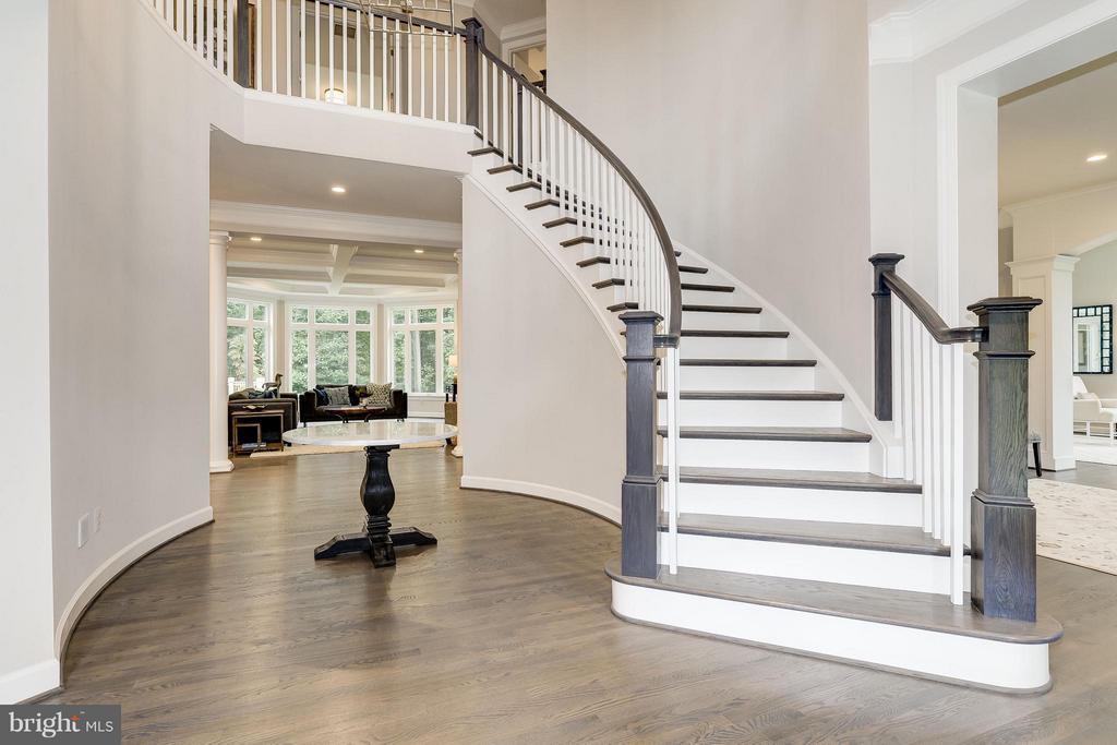 Model Home  Foyer - 10710 HARLEY RD, LORTON