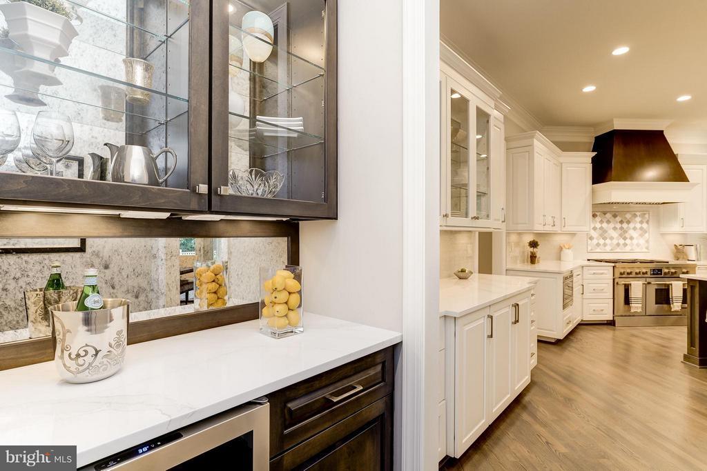 Model Home Photo |  Bar area - 10710 HARLEY RD, LORTON