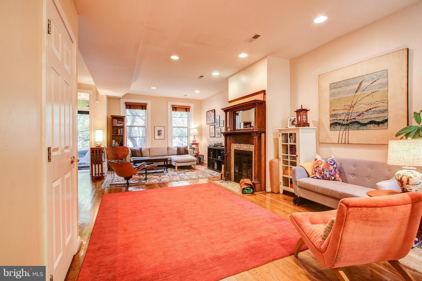 Single Family for Sale at 515 10th St SE Washington, District Of Columbia 20003 United States