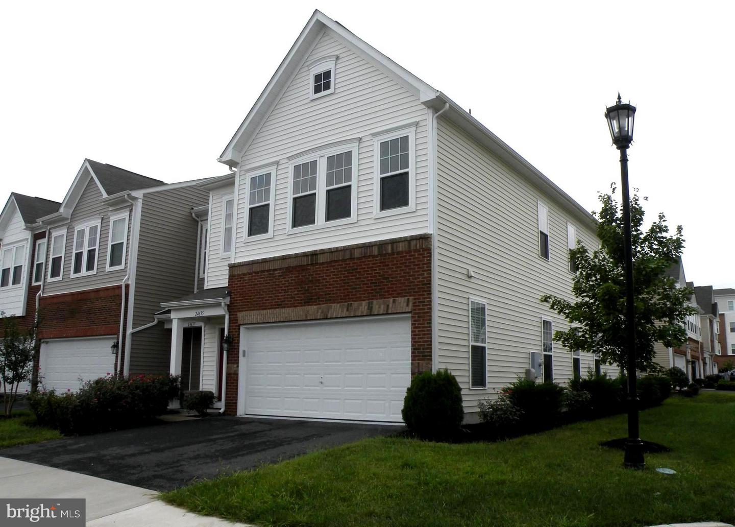 Other Residential for Rent at 24635 Greysteel Sq Aldie, Virginia 20105 United States