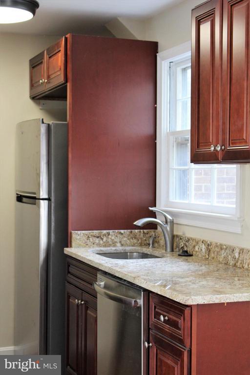 Kitchen - 1908 CURTIS CT SE, WASHINGTON