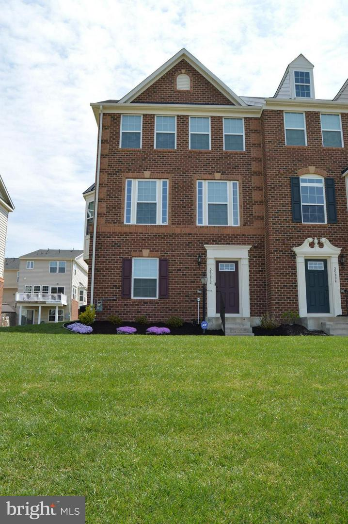 Other Residential for Rent at 25892 Sycamore Grove Pl Aldie, Virginia 20105 United States