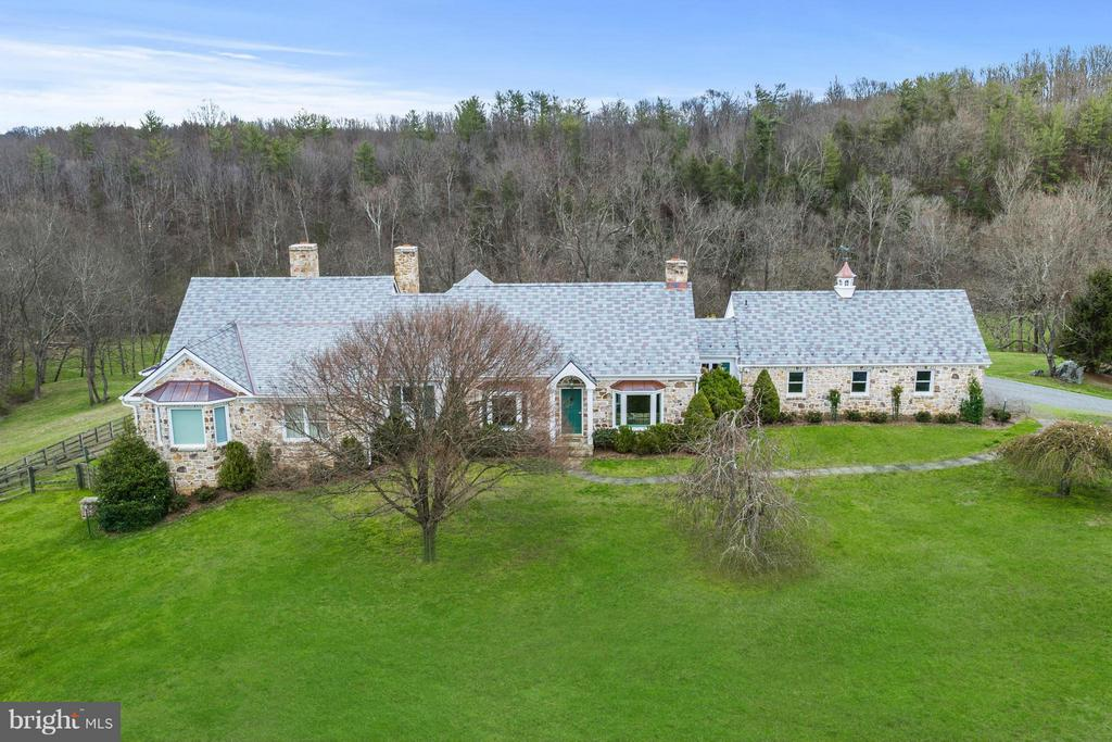 Private - 35679 MILLVILLE RD, MIDDLEBURG