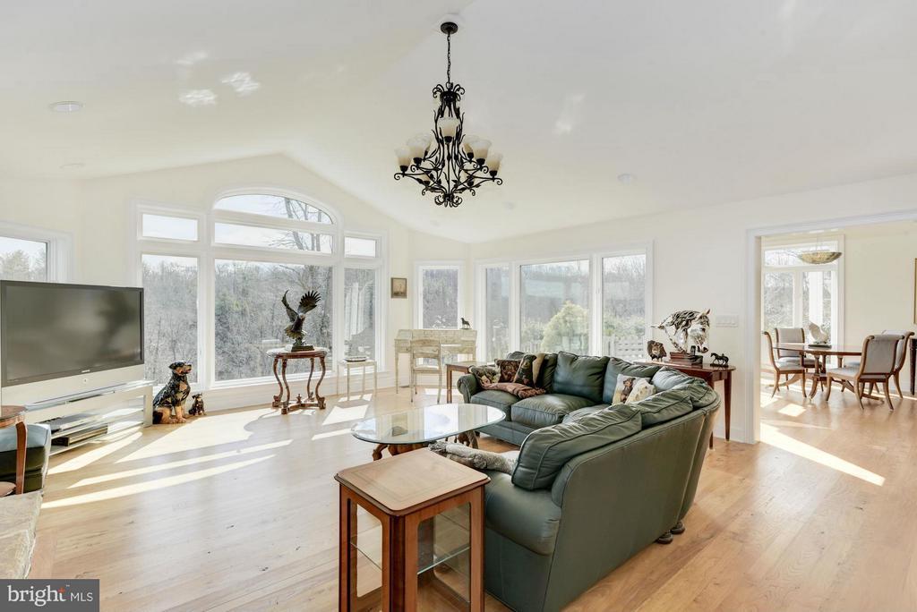 Living Room - 35679 MILLVILLE RD, MIDDLEBURG
