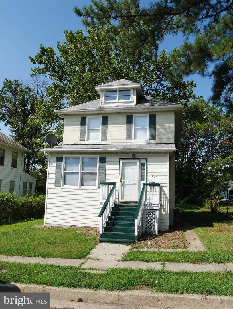 Photo of home for sale at 5614 Plymouth Road, Baltimore MD