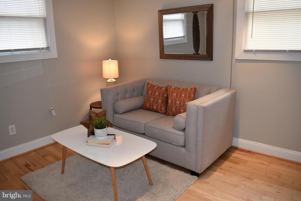 Living Room - 300 OKLAHOMA AVE NE #101, WASHINGTON