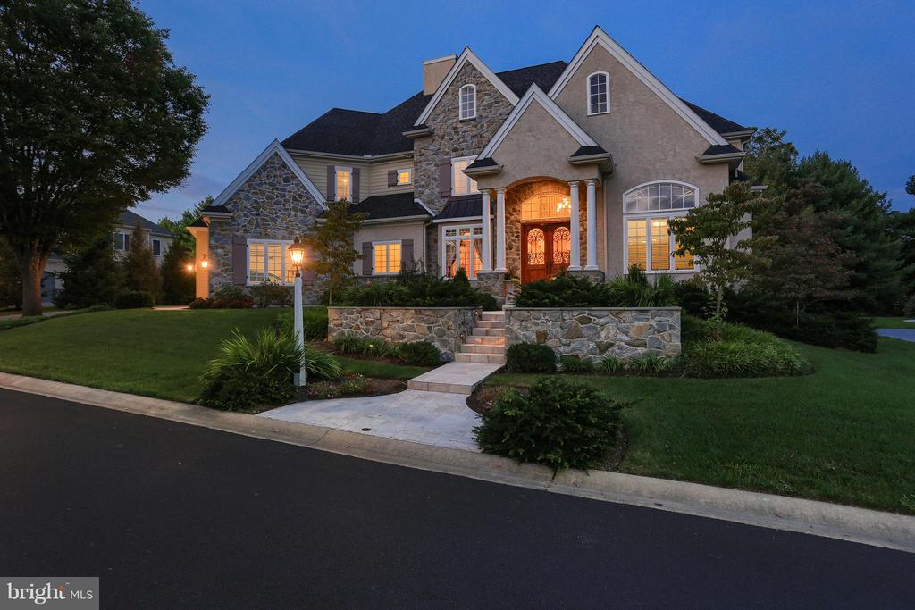 609  BENT CREEK DRIVE, Manheim Township, Pennsylvania 5 Bedroom as one of Homes & Land Real Estate