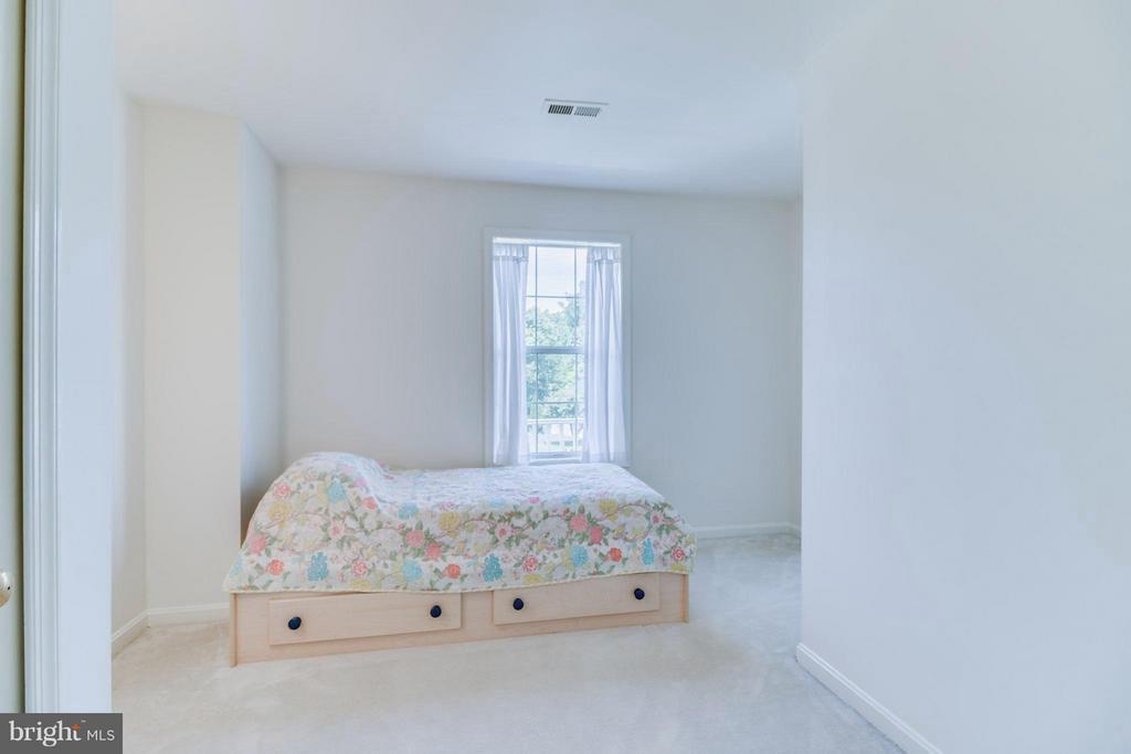 Bedroom #4 - 16 JASON CT, STAFFORD
