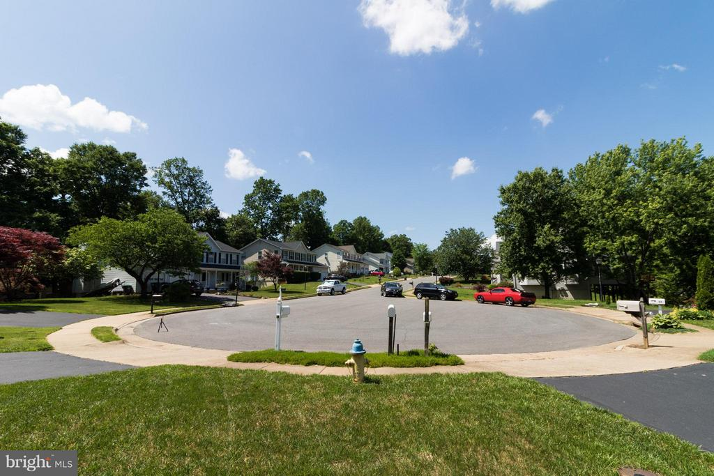 View of street - 16 JASON CT, STAFFORD