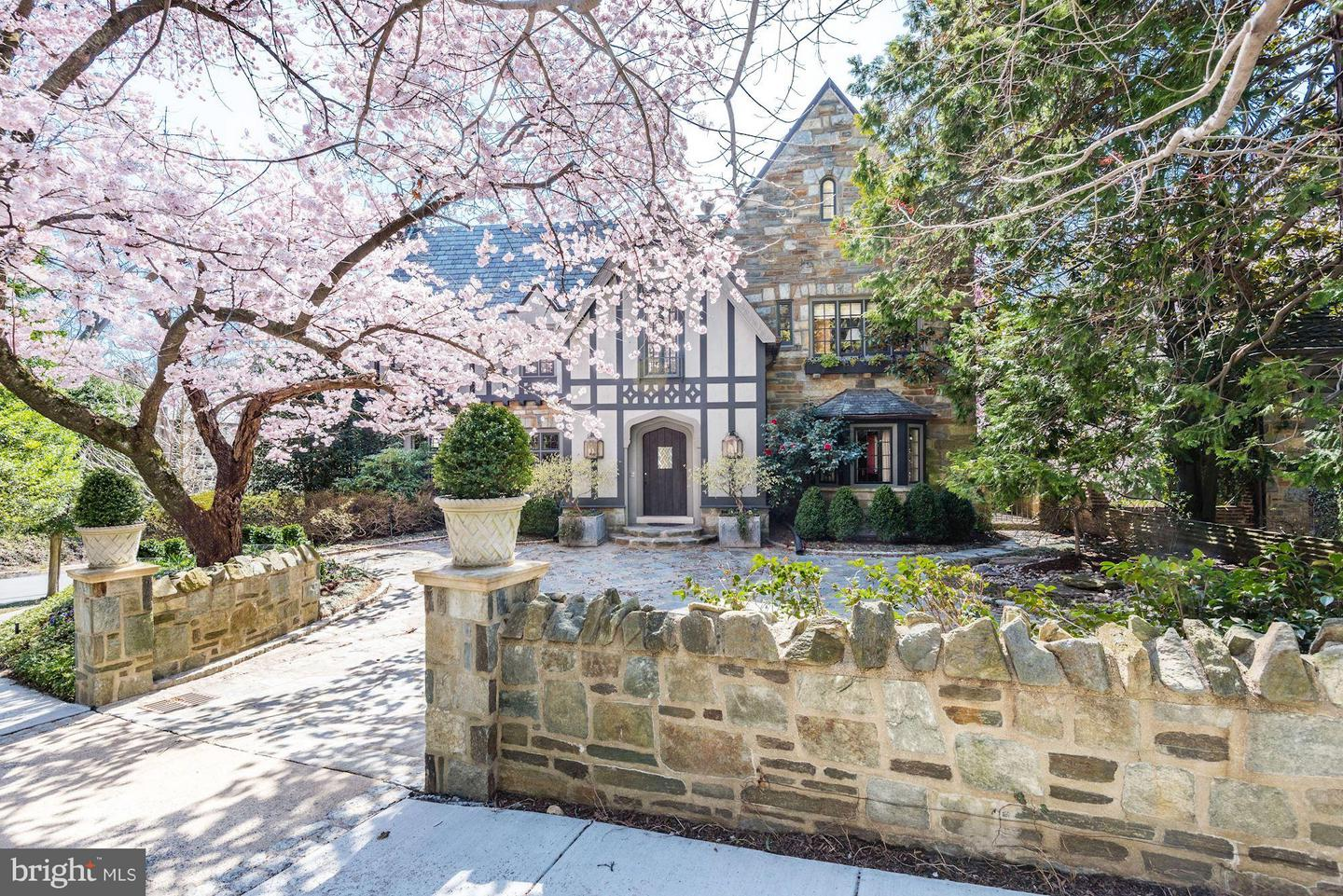Single Family for Sale at 2718 32nd St NW Washington, District Of Columbia 20008 United States