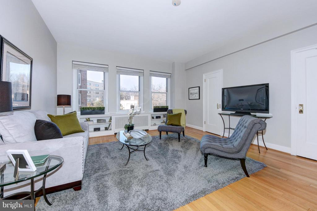 Living Room with Triple Windows - 3601 CONNECTICUT AVE NW #312, WASHINGTON