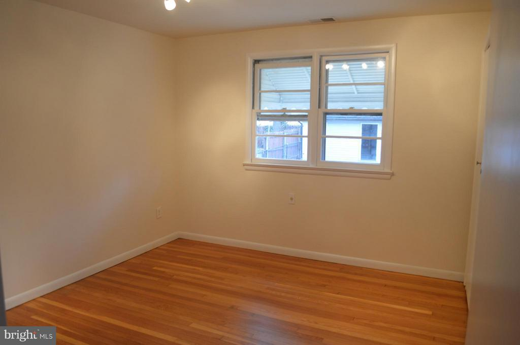 Bedroom #2 on main level - 4206 31ST ST, MOUNT RAINIER
