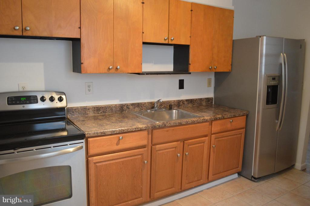 Another view of Kitchen - 4206 31ST ST, MOUNT RAINIER