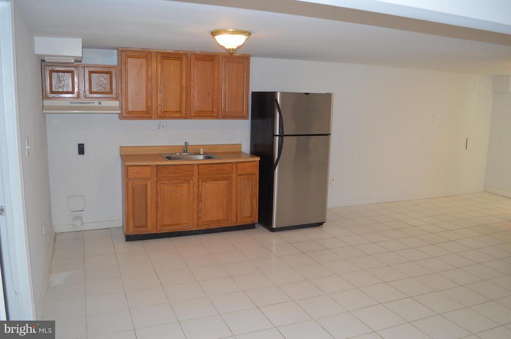 Recreation room with kitchen - 4206 31ST ST, MOUNT RAINIER