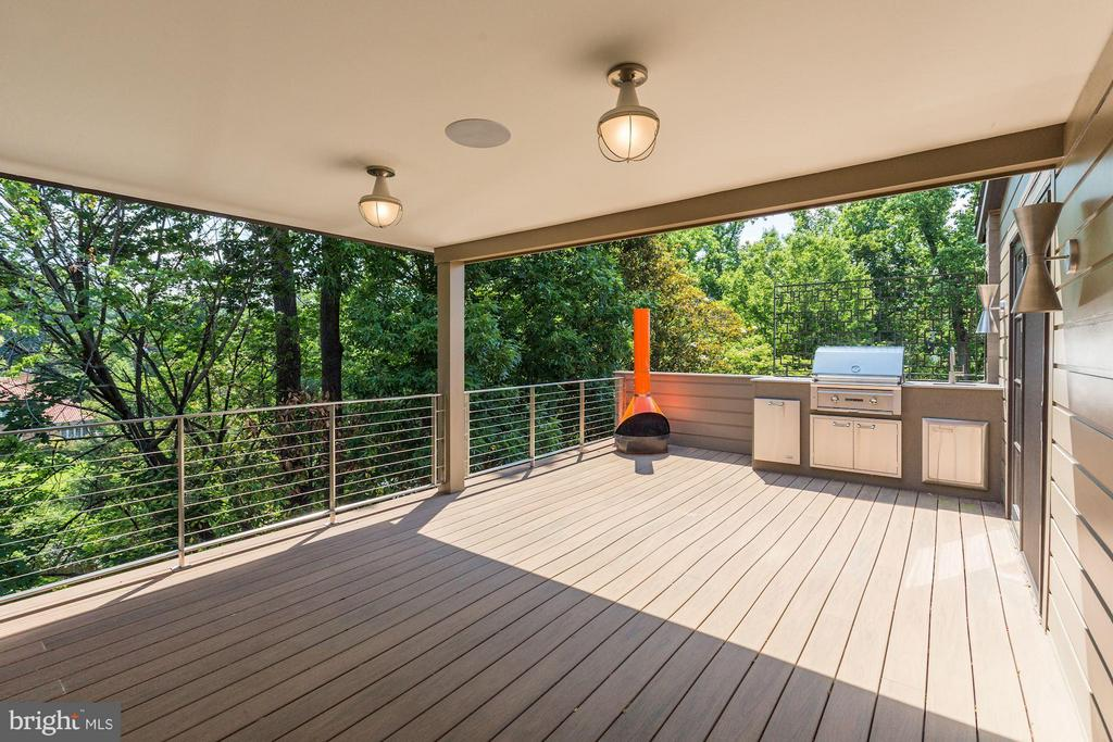 Outdoor Kitchen/Deck - 2605 31ST ST NW, WASHINGTON