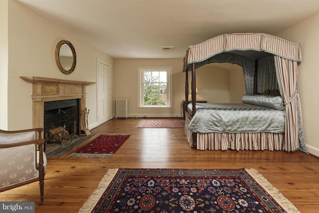 Bedroom 5 Upper 2 - 301 SAINT ASAPH ST S, ALEXANDRIA