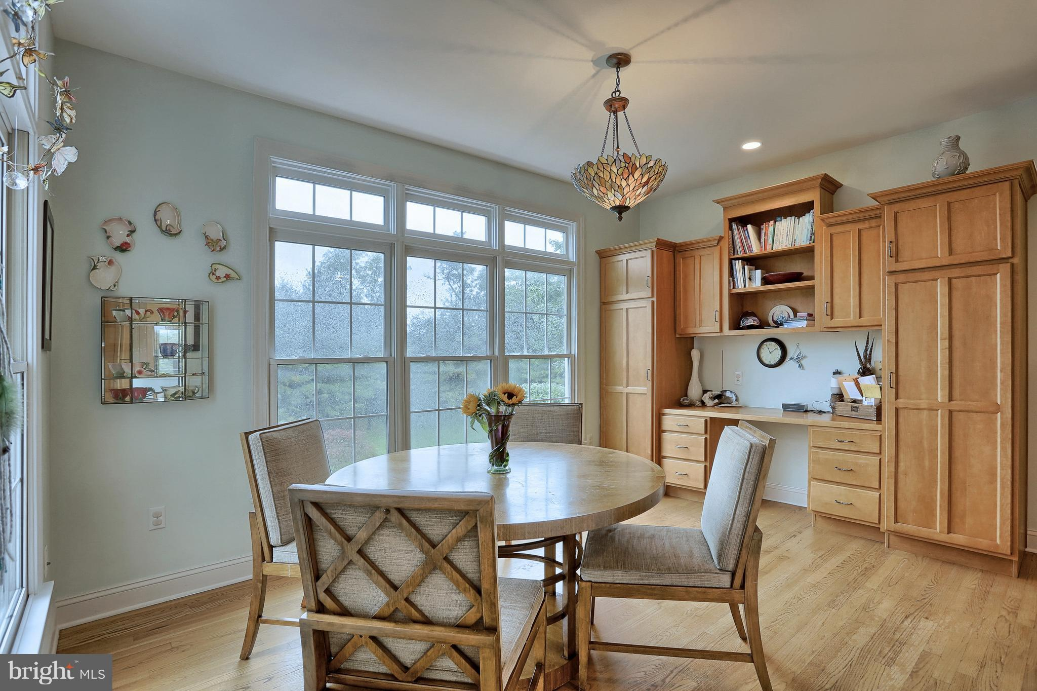 Home for Sale at 5 Chantilly Court in Mechanicsburg, PA for $489,900 ...