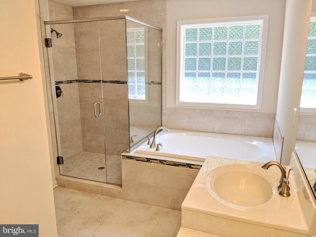 Bath (Master) - 7420 STONEGATE ESTATES DR, FREDERICKSBURG