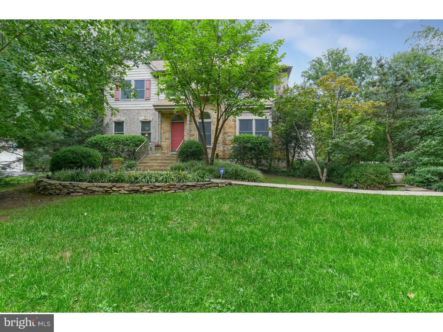 Photo of home for sale at 219 Edgewood Drive, Wilmington DE
