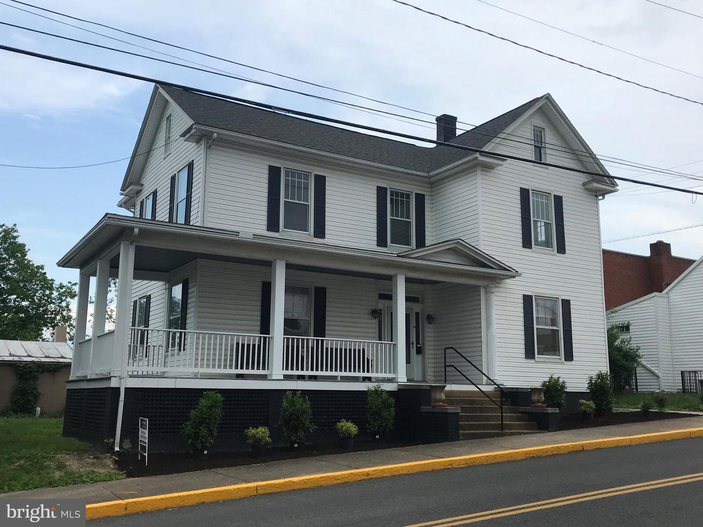 Other Residential for Rent at 11 Court St S Luray, Virginia 22835 United States