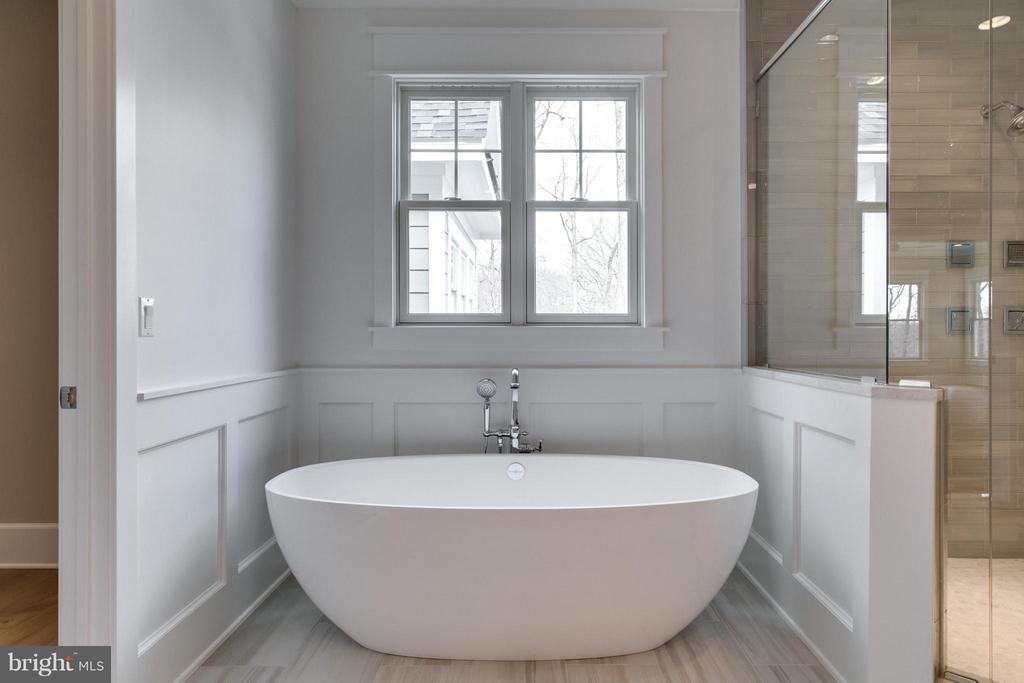 Bath (Master) - 3859 GANELL PL, FAIRFAX
