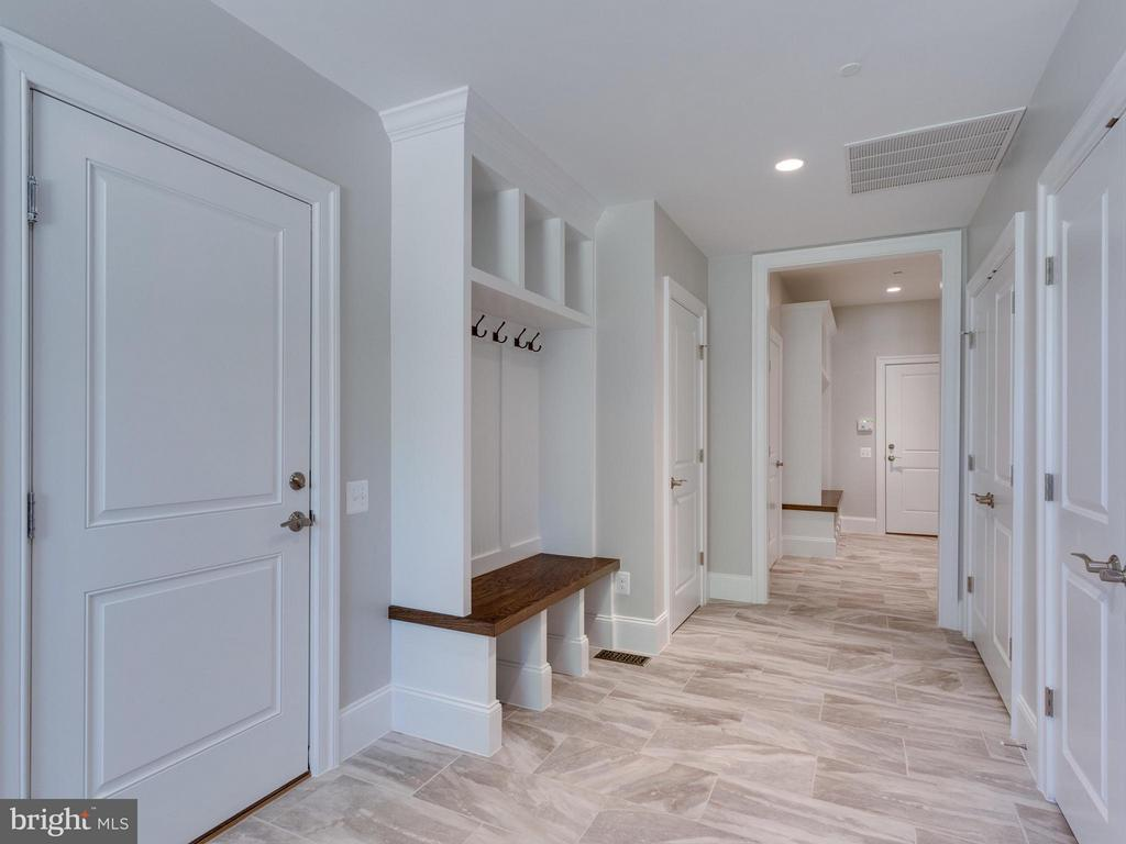 Mudroom - 3859 GANELL PL, FAIRFAX