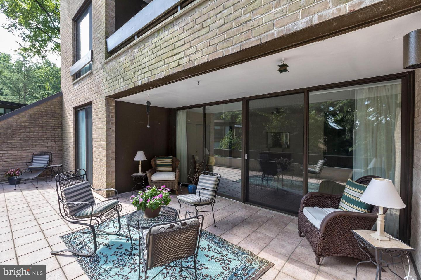 Additional photo for property listing at 4928 Sentinel Dr #1-106 4928 Sentinel Dr #1-106 Bethesda, Maryland 20816 United States