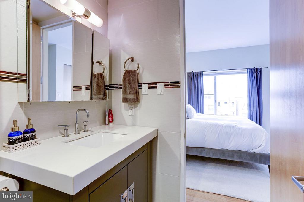 Bath (Master) - 3251 PROSPECT ST NW #412, WASHINGTON
