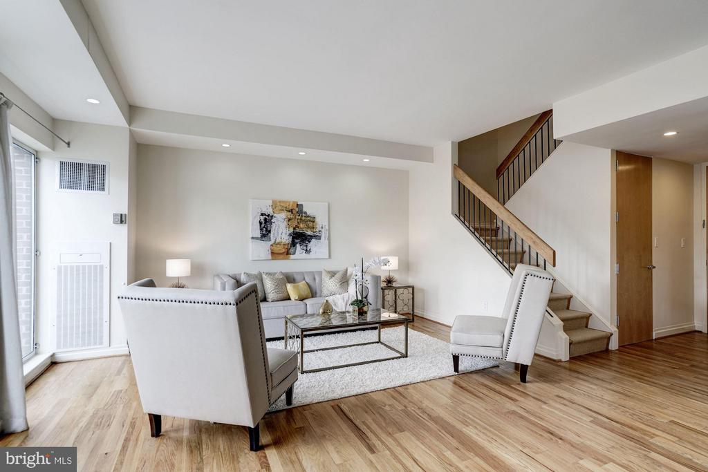 Spacious living room - 3251 PROSPECT ST NW #412, WASHINGTON