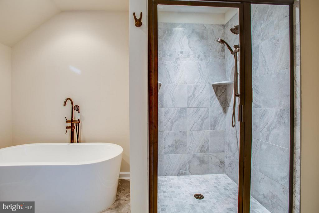Tile Shower with Glass Doors - 12209 DELL WAY, FREDERICKSBURG