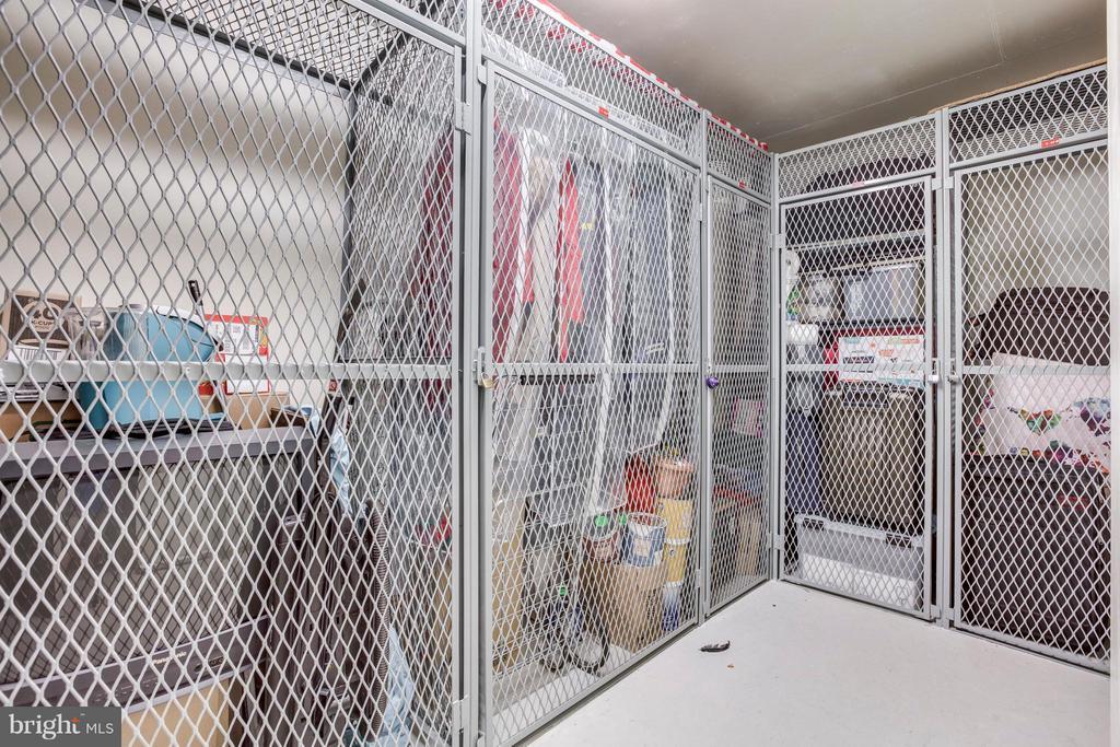 Storage Locker - 851 GLEBE RD #803, ARLINGTON