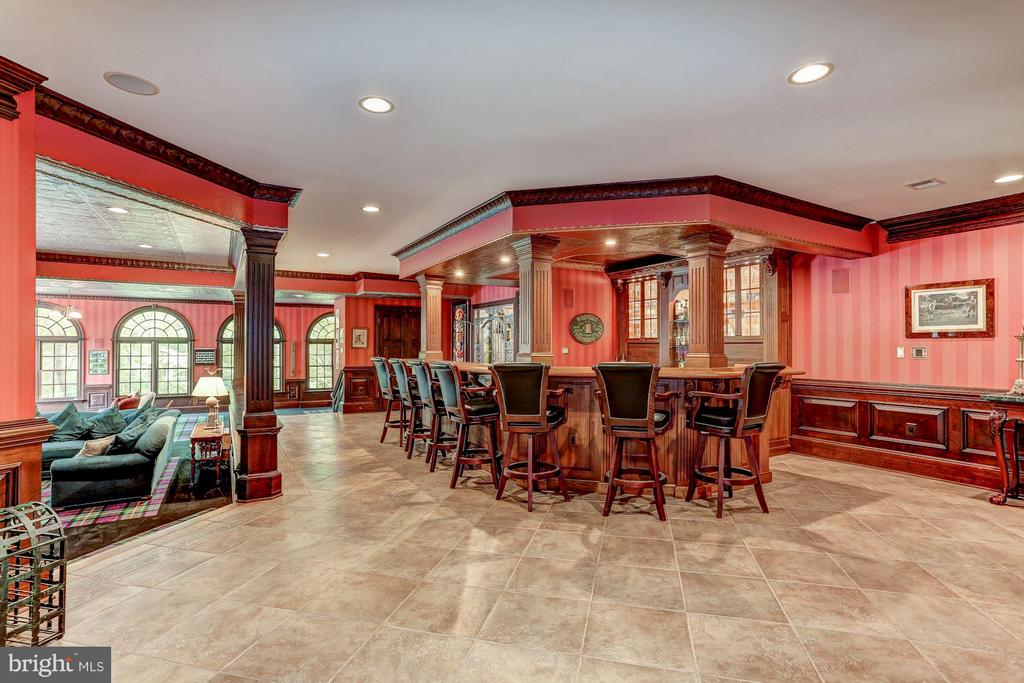 Lower level bar and entertaining area - 7984 GEORGETOWN PIKE, MCLEAN